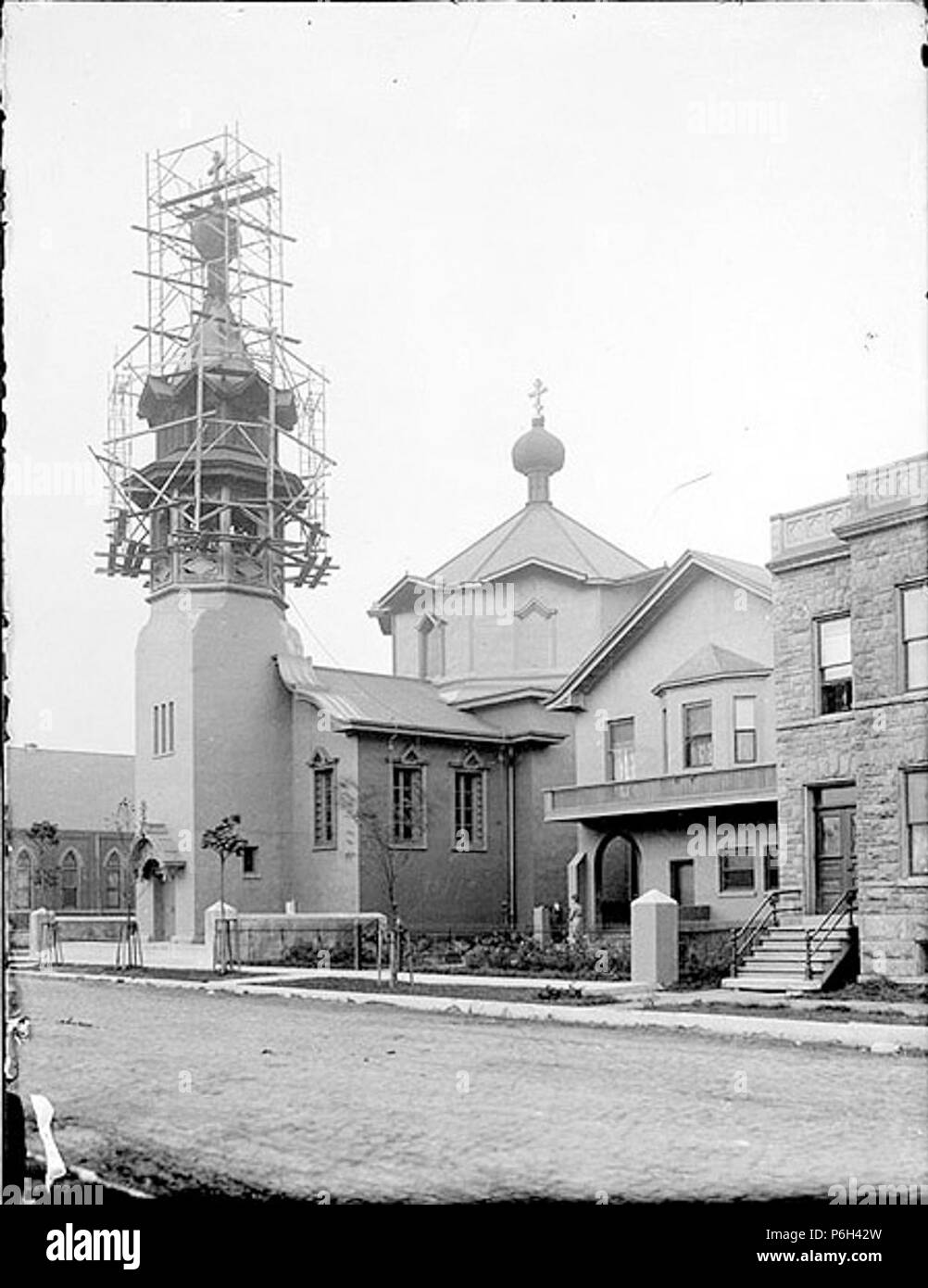 1905 Chicago Holy Trinity bell tower under construction. - Stock Image