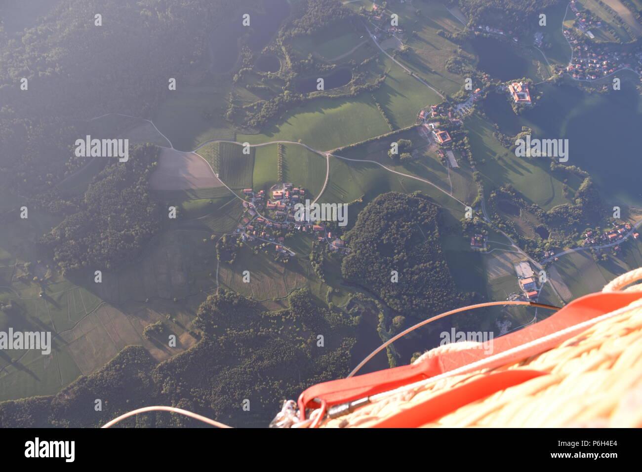 Fahrt mit dem Heißluftballon über den Chiemsee - Stock Image