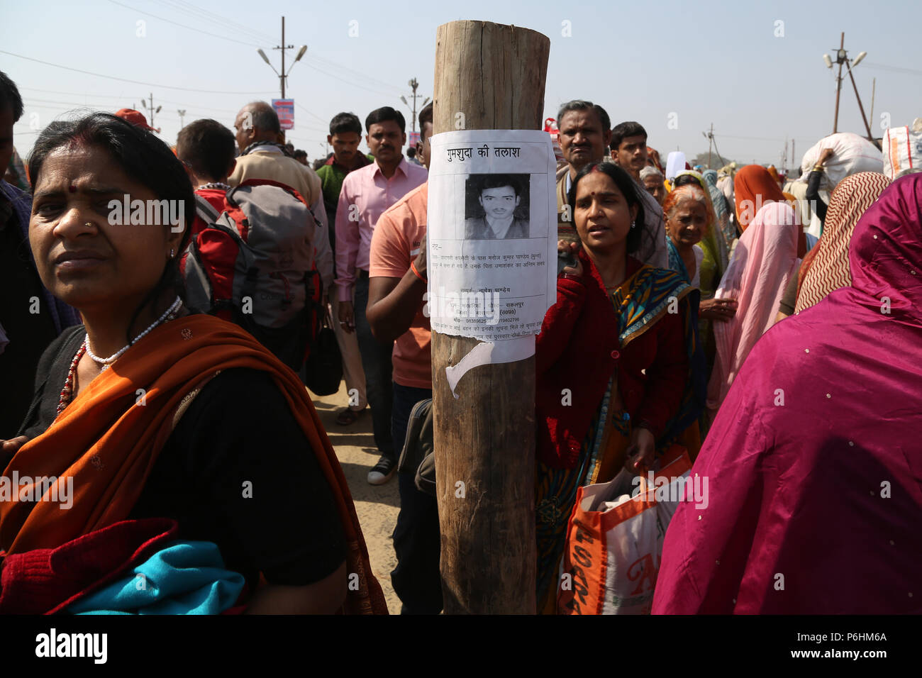 Notice of disappearance of young man during Maha Kumbh mela 2013 in Allahabad , India - Stock Image
