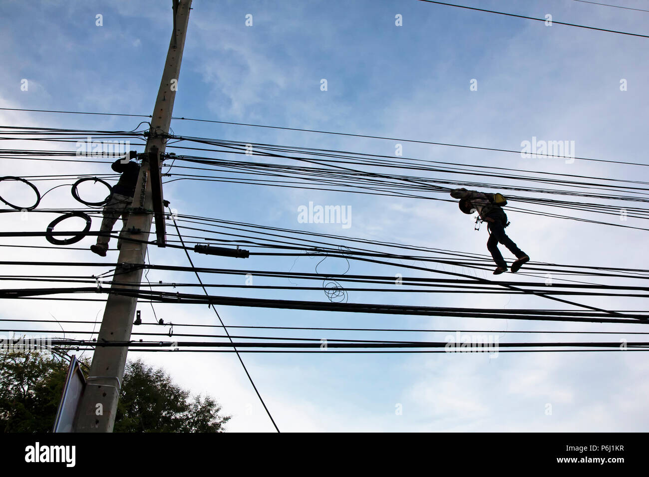 Live Wire Danger Stock Photos & Live Wire Danger Stock Images - Alamy
