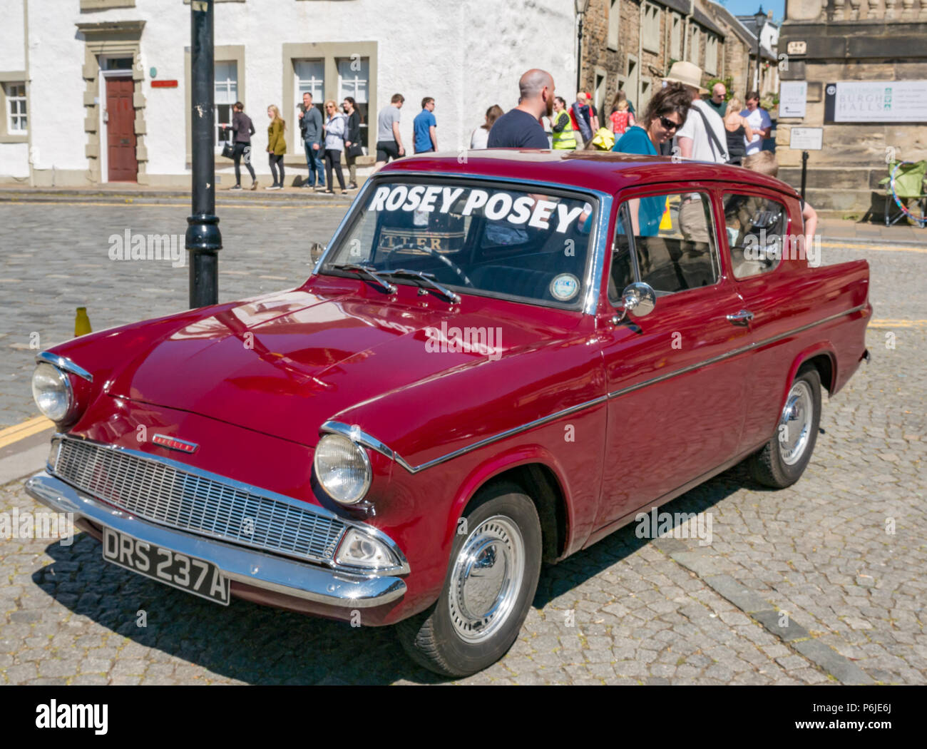 Maroon Vintage Car Stock Photos & Maroon Vintage Car Stock Images ...