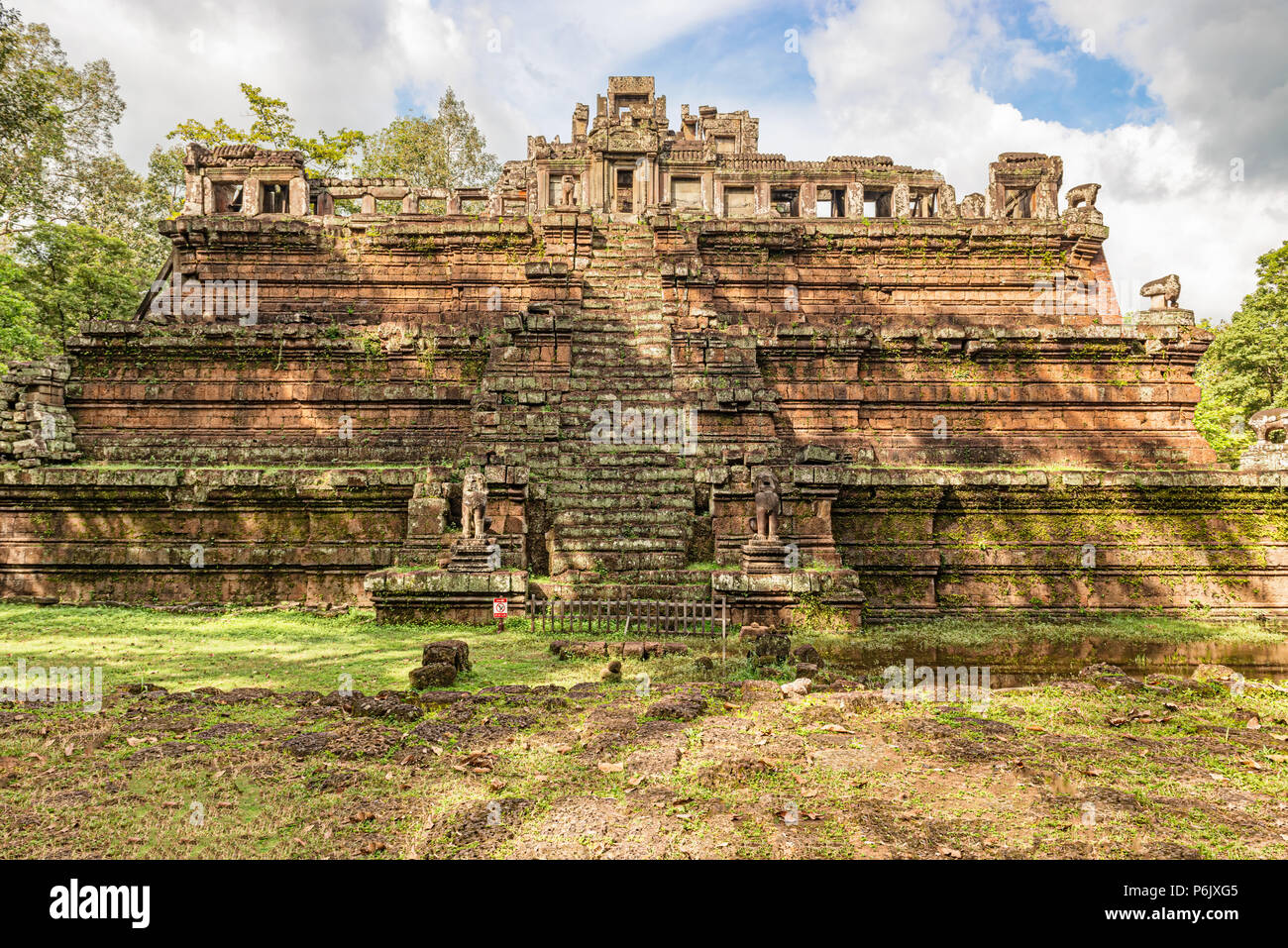 Phimeanakas temple at Angkor, Cambodia, is a Hindu temple from the 10th century, in shape of three tier pyramid as a Hindu temple. On top of the pyram - Stock Image