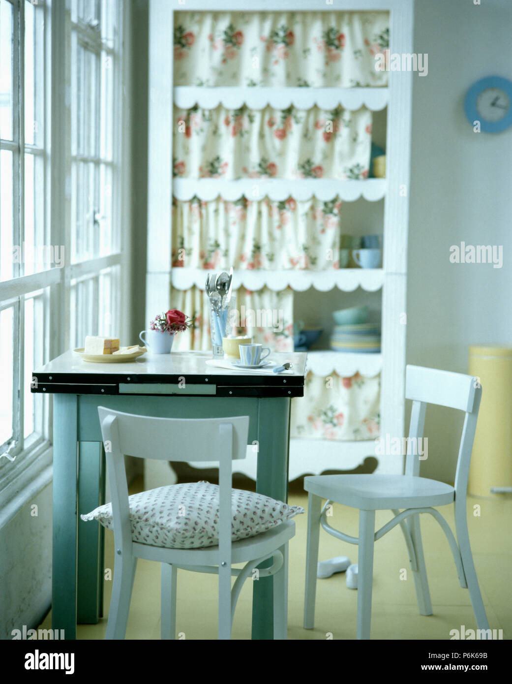 Terrific White Forties Chairs And Zinc Topped Table In White Dining Cjindustries Chair Design For Home Cjindustriesco