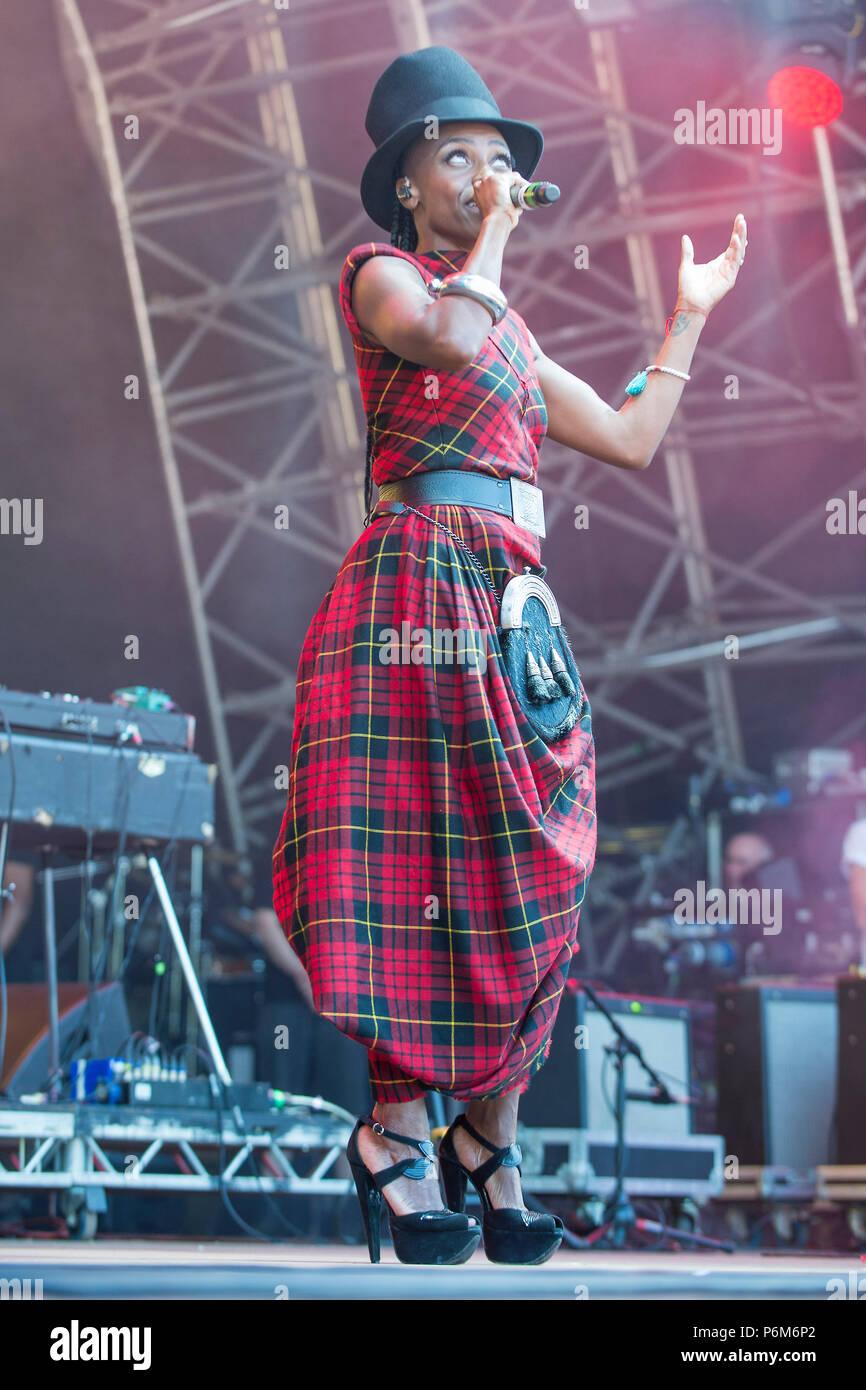 Glasgow, Scotland, UK. 1st July, 2018. Laura Mvula in concert at The Fiesta x Fold Festival, Credit: Stuart Westwood/Alamy Live News - Stock Image