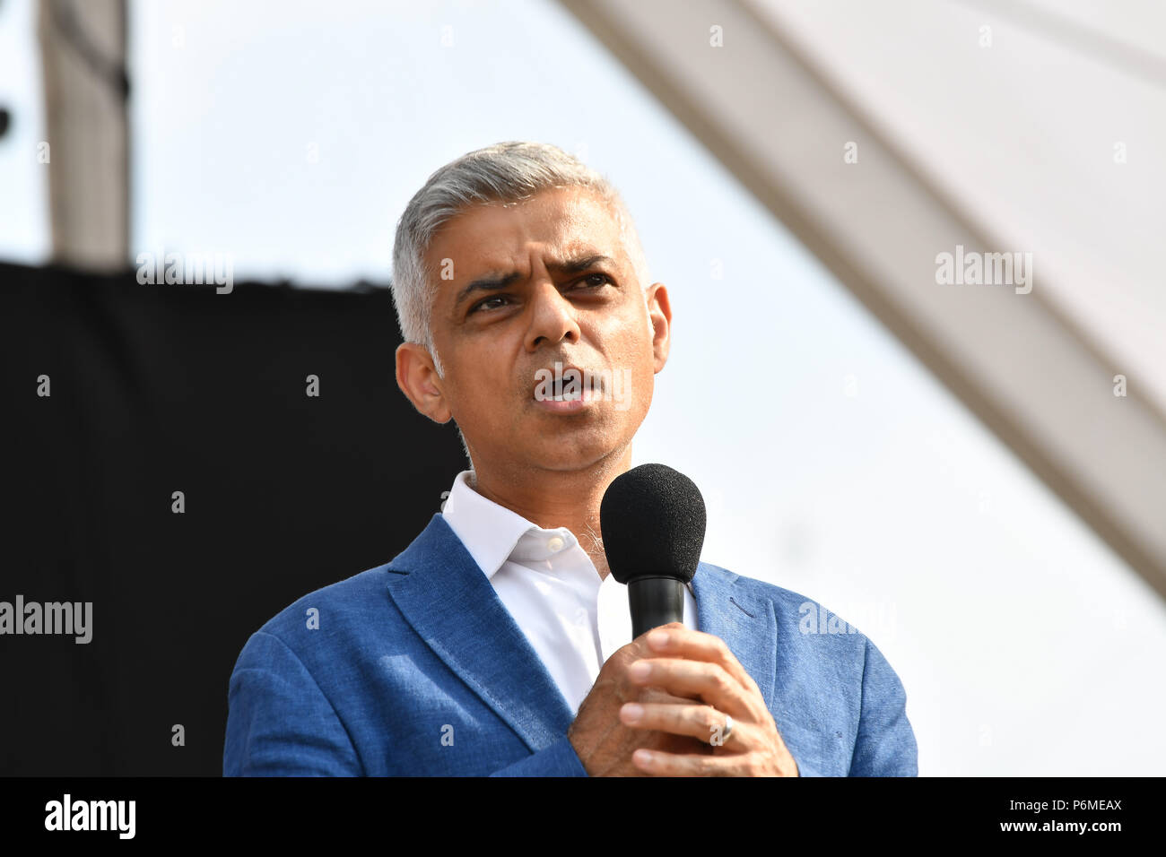 London, UK. 1st July, 2018. Speaker Sadiq Khan is the Mayor of London at the BMW Classics + live streamed on YouTube in Trafalgar Square on a hot weather in London, UK on July 1st 2018. Credit: Picture Capital/Alamy Live News - Stock Image