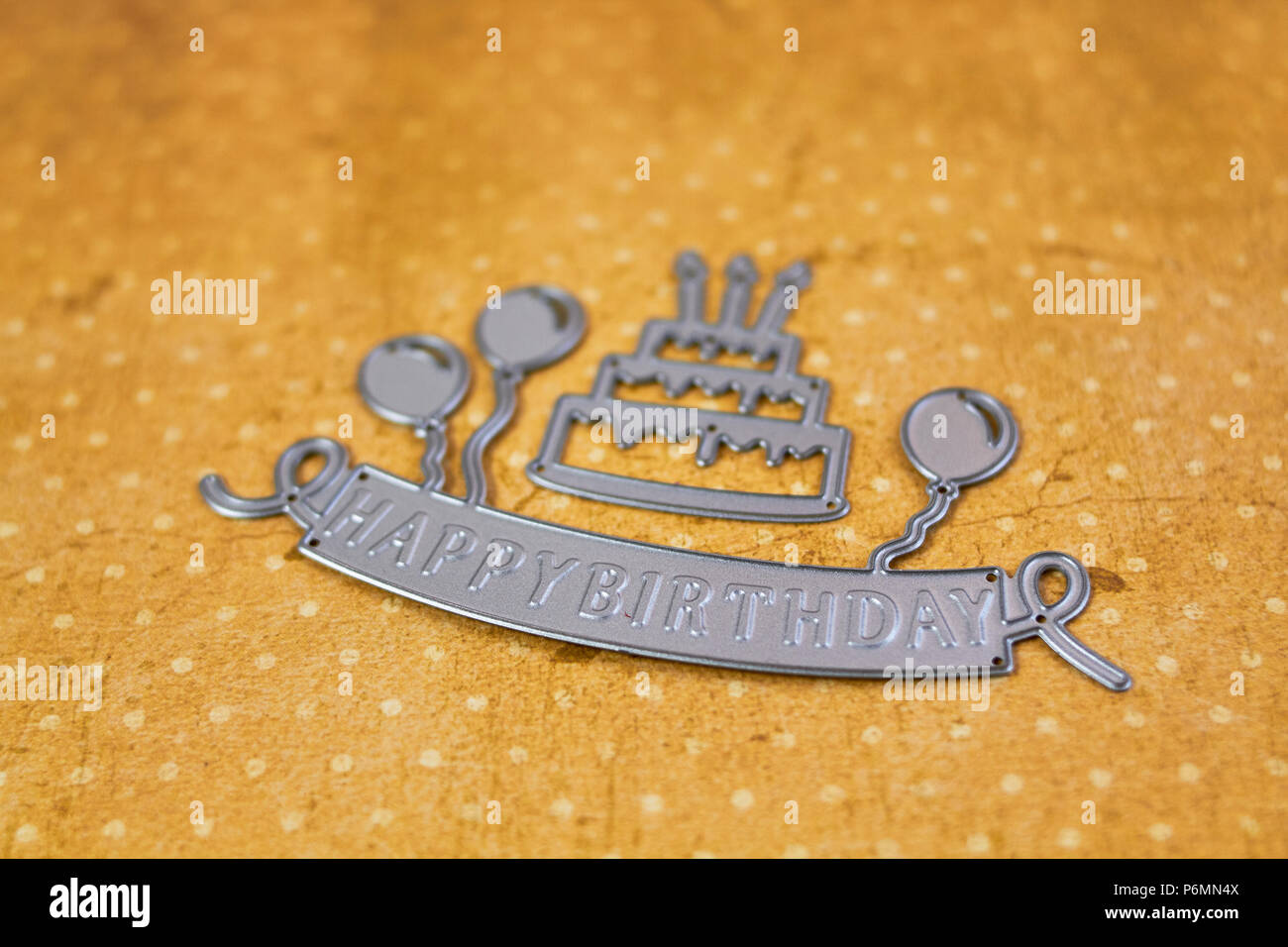 Scarpbooking Die Cutter Happy Birthday Cake Shape