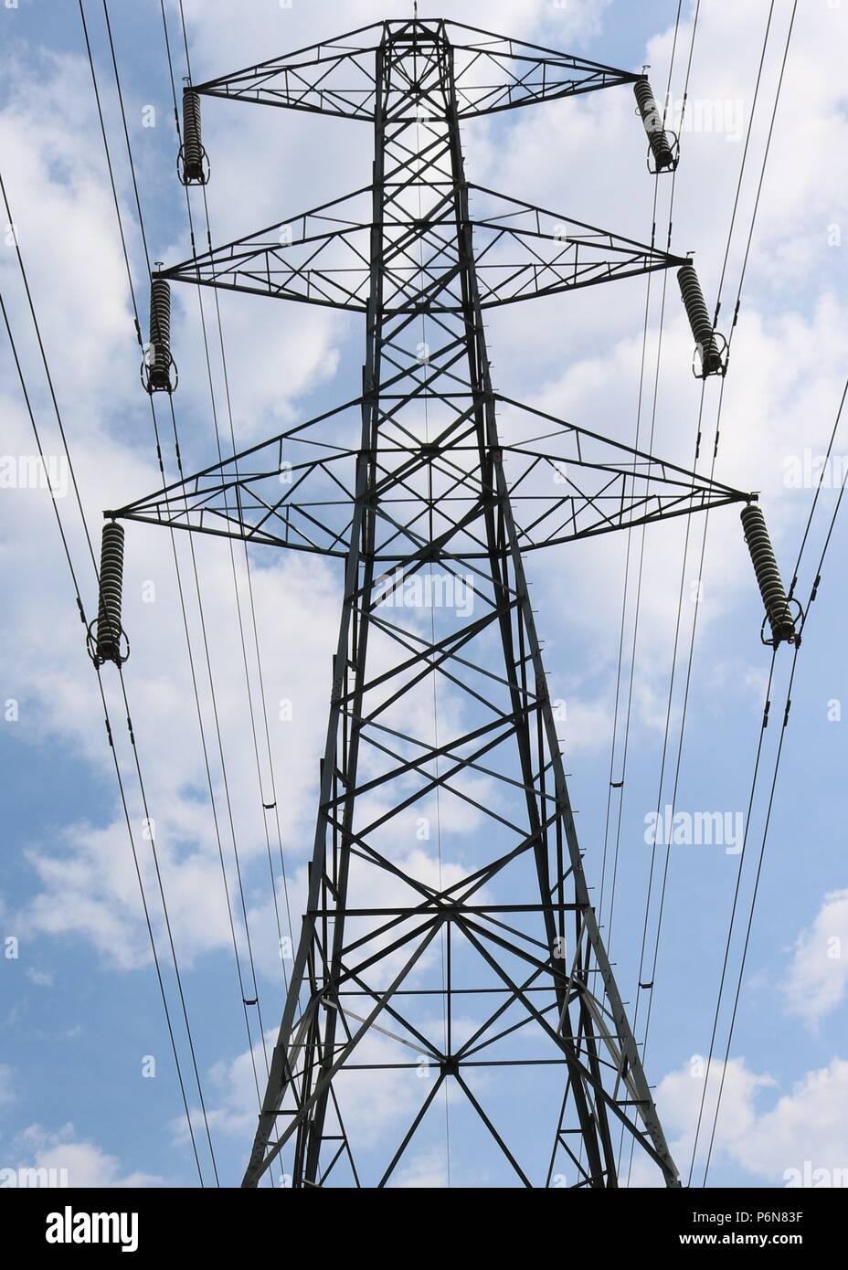 Electricity Pylons Kent Stock Photos & Electricity Pylons Kent Stock ...