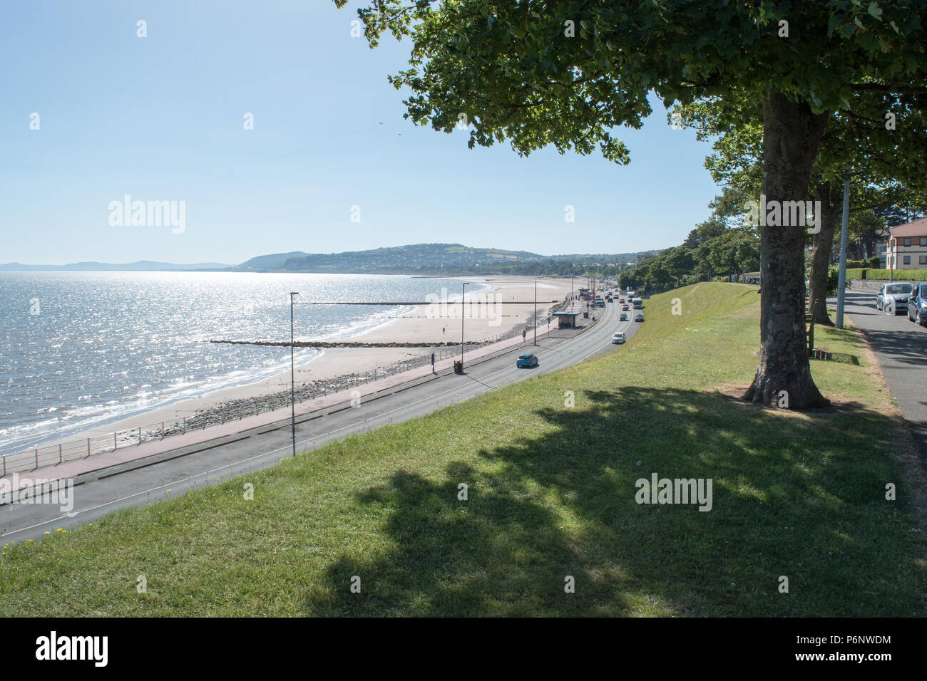Colwyn Bay beach and promenade - Stock Image