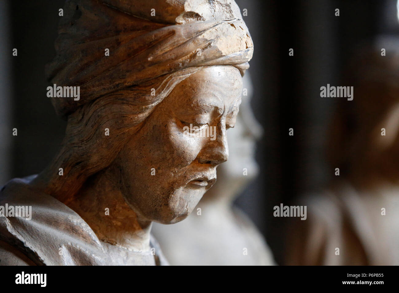 Notre Dame de Clermont cathedral, Clermont-Ferrand, France. Detail of a statue. - Stock Image