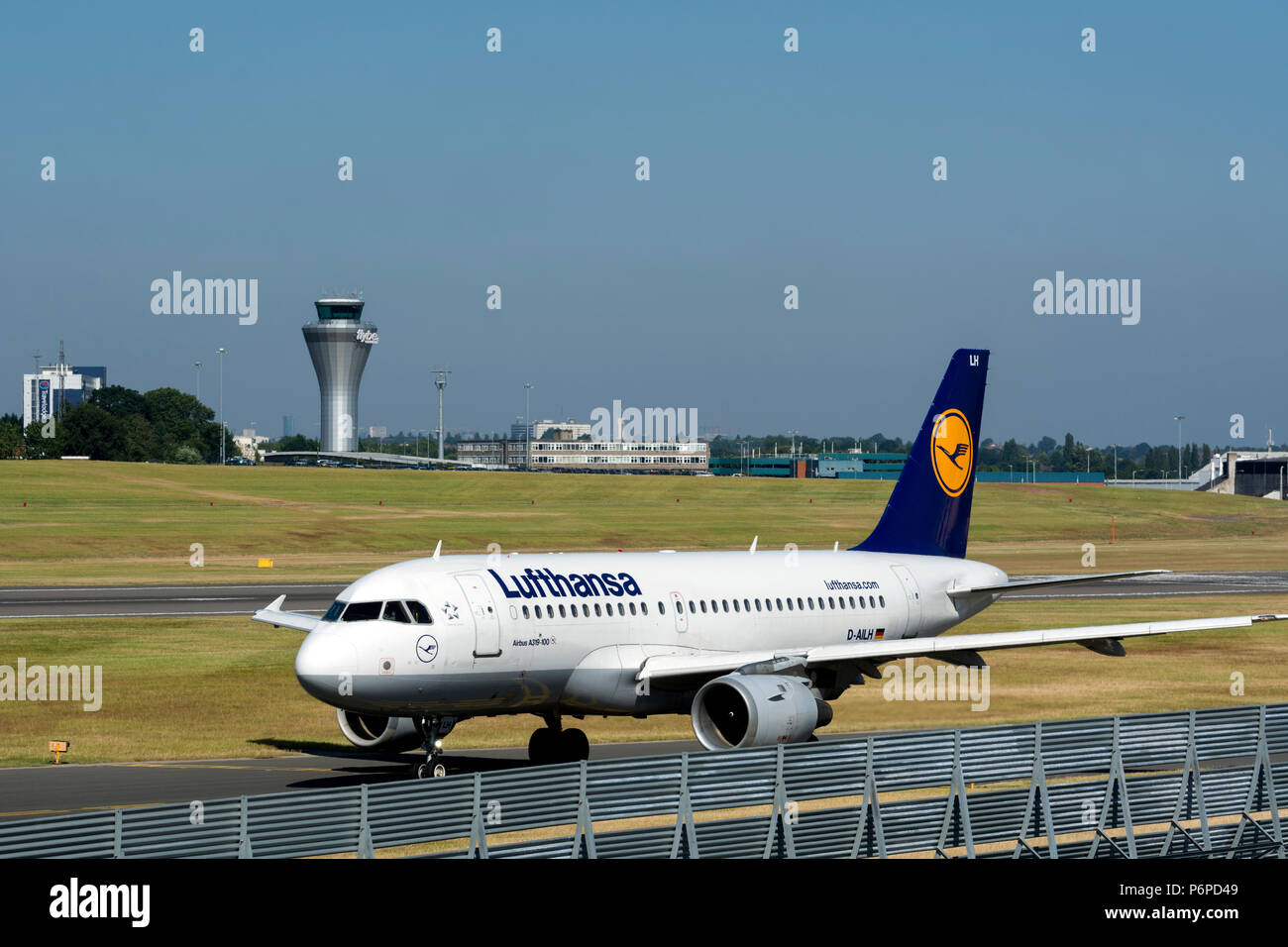 Lufthansa Airbus A319-114 taxiing for departure at Birmingham Airport, UK (D-AILH) - Stock Image
