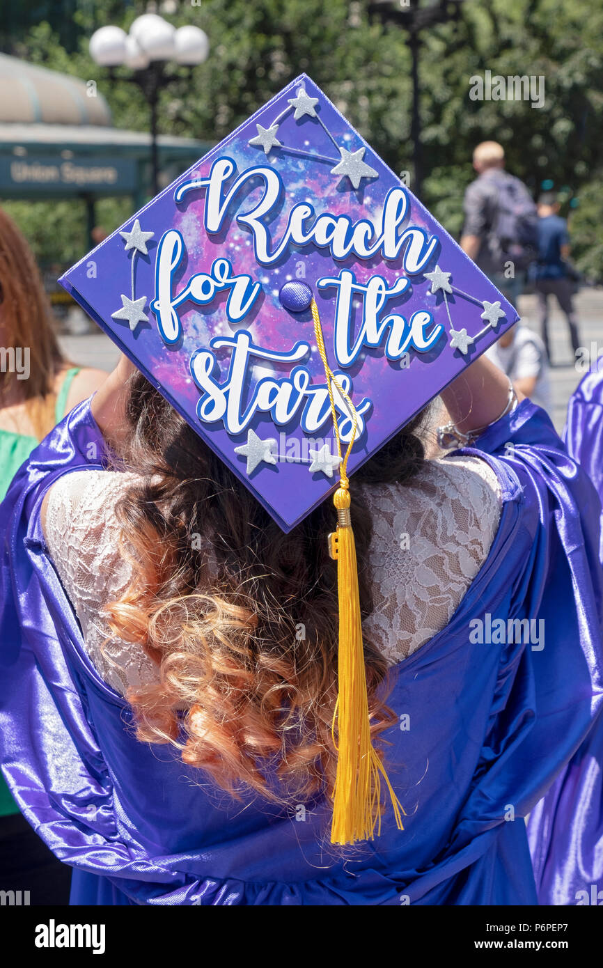Cap And Gown Stock Photos & Cap And Gown Stock Images - Alamy