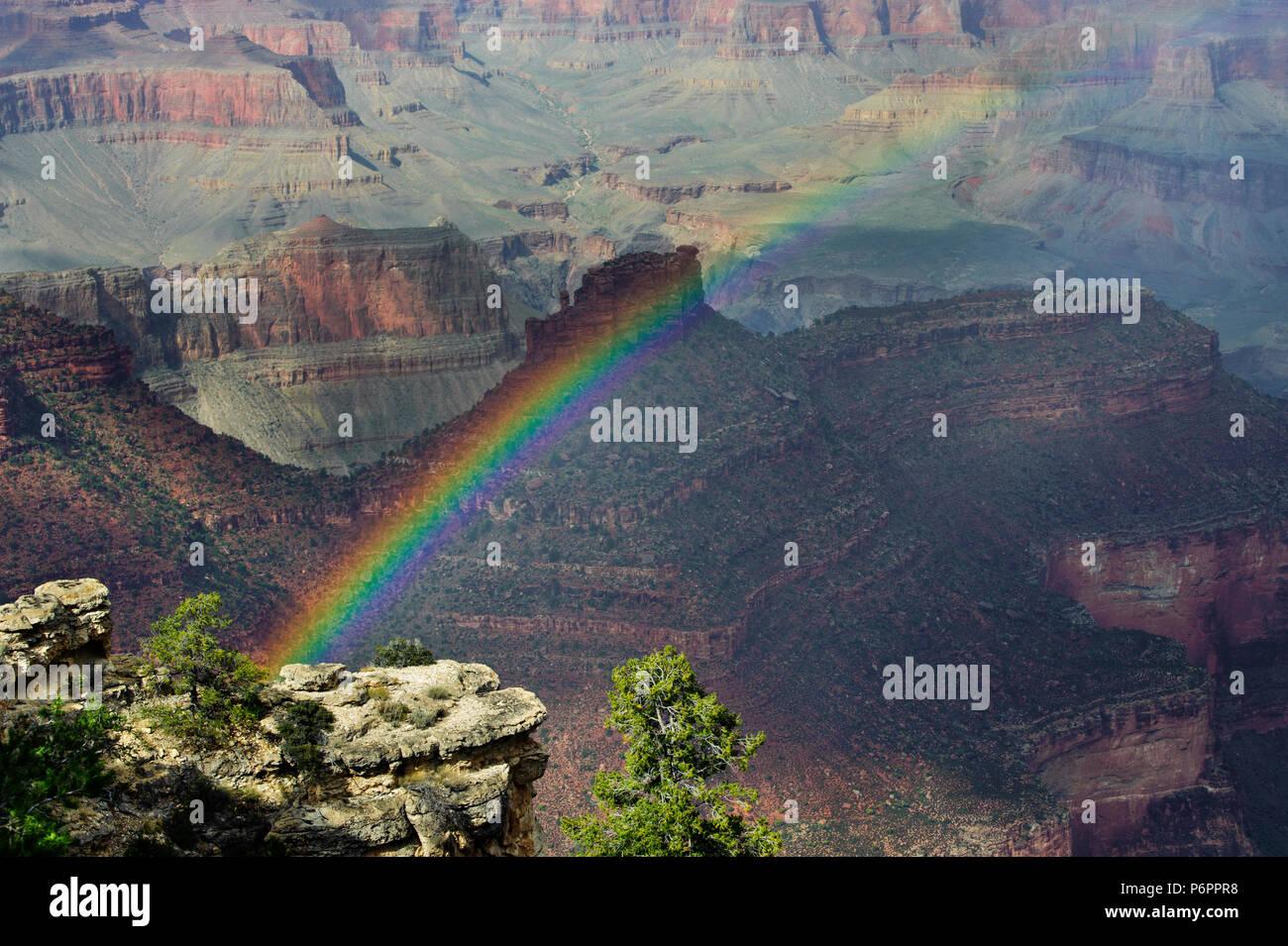 Rainbow over the Grand Canyon, Arizona, USA. - Stock Image