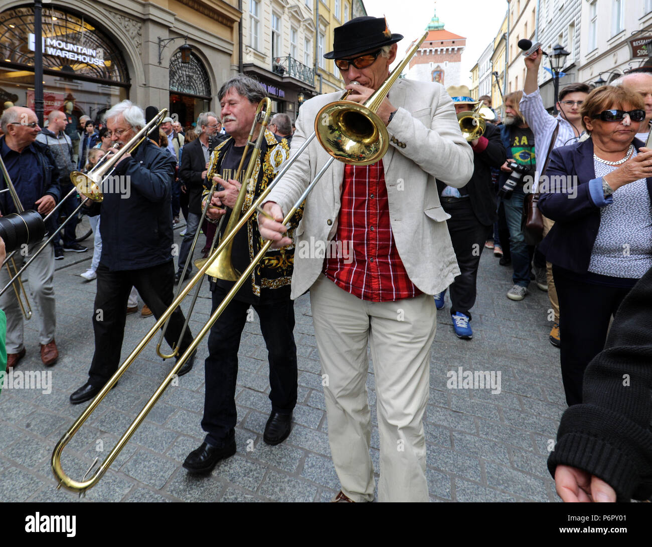 Cracow, Poland - July 1, 2018: New Orleans Parade from the Barbican to the Main Square  at the Summer Jazz Festival in Krakow. Poland Credit: Wieslaw Jarek/Alamy Live News - Stock Image