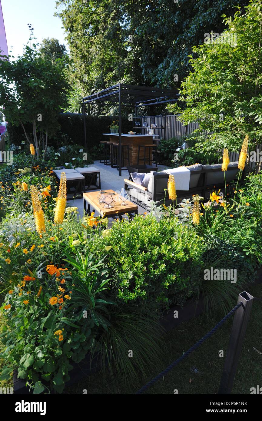 London, UK. 20nd July 20018. The Landform Garden Bar Designed by ...