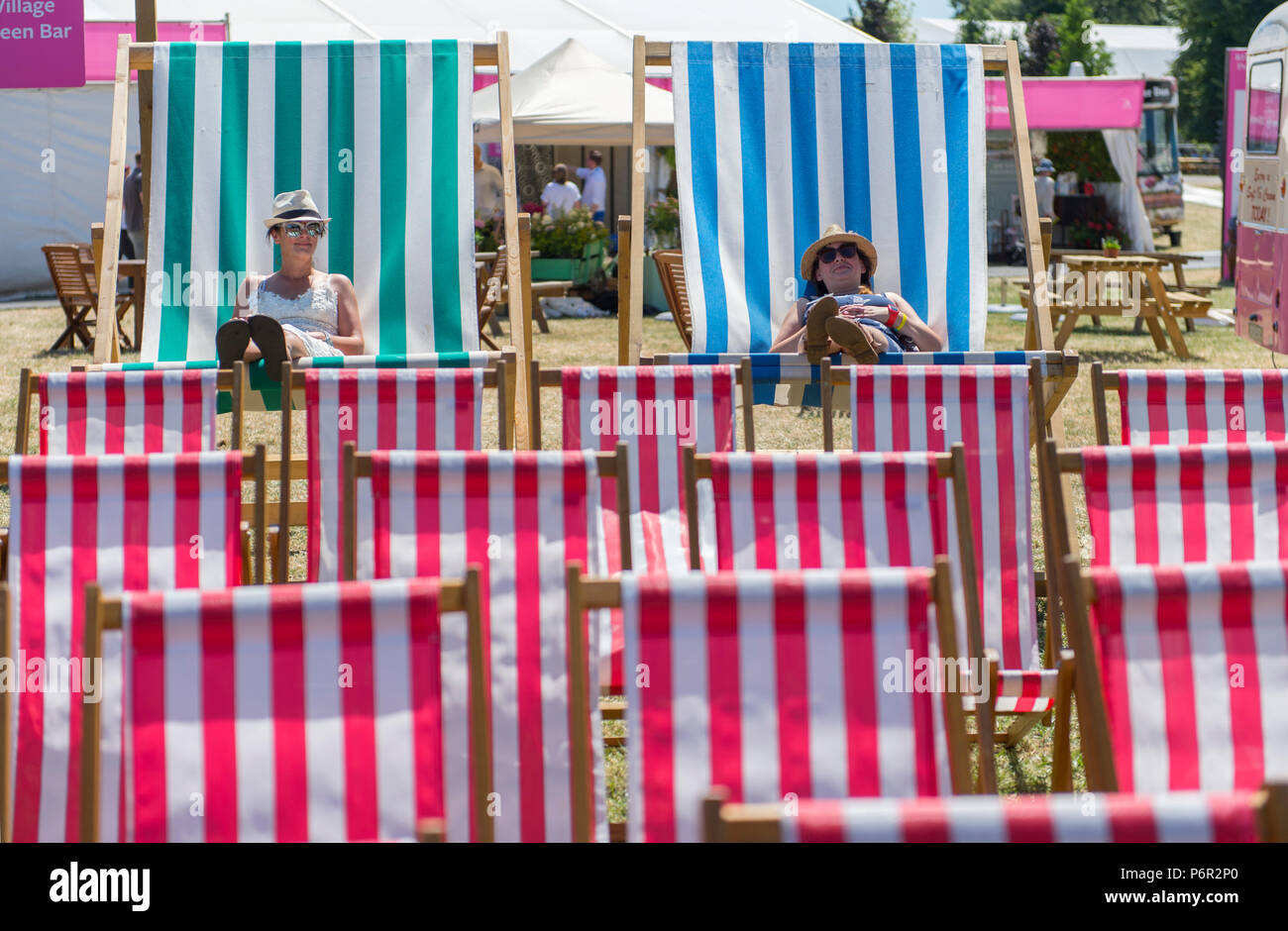 Hampton Court Palace, Surrey, UK. 2 July, 2018. The world's largest annual flower show, RHS Hampton Court Palace Flower Show supported by Viking Cruises, opens to the public from 5 - 8 July 2018. Press day opens in scorching sun. Credit: Malcolm Park/Alamy Live News. Stock Photo