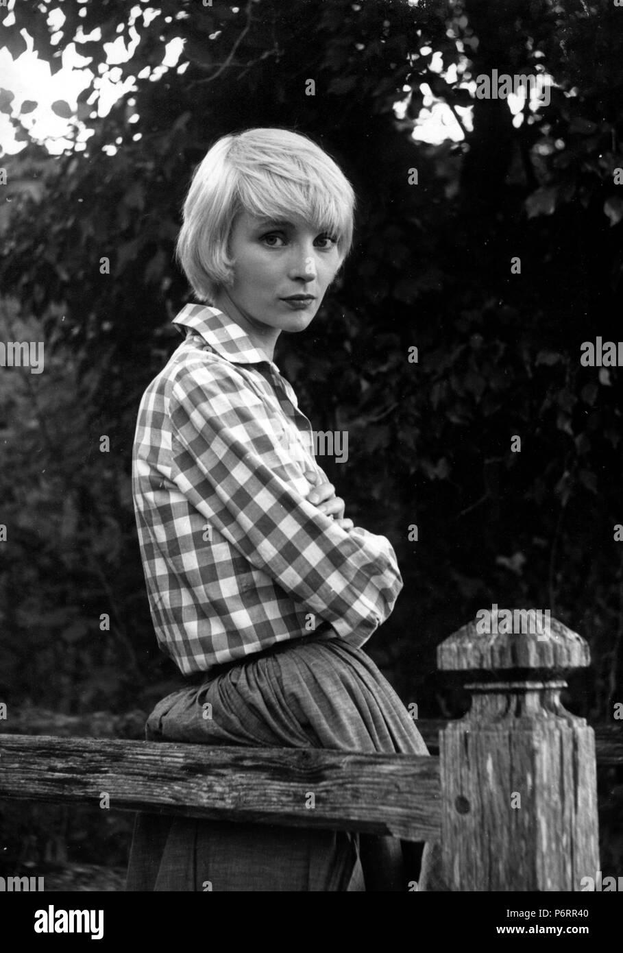 Thérèse Desqueyroux Year: 1962 France Edith Scob Director: Georges Franju -  Stock Image