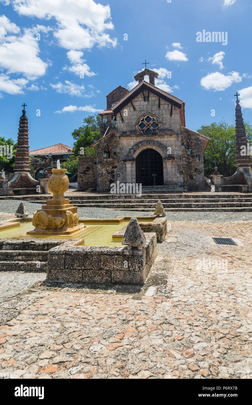 Fountain in front of the church of St Stanislaus, Altos de Chavon - Stock Image