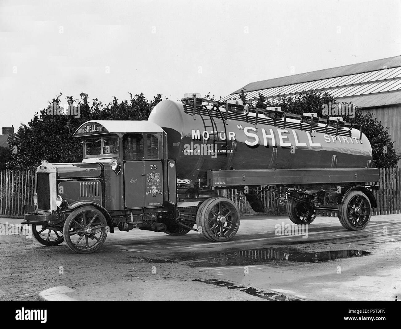 1928 Scammell artic truck for Shell - Stock Image