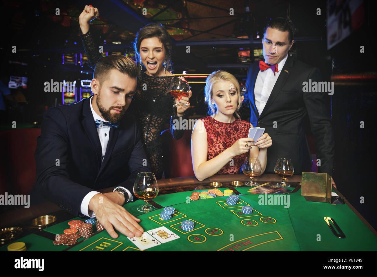Казино на жизни людей vegas online casino slots
