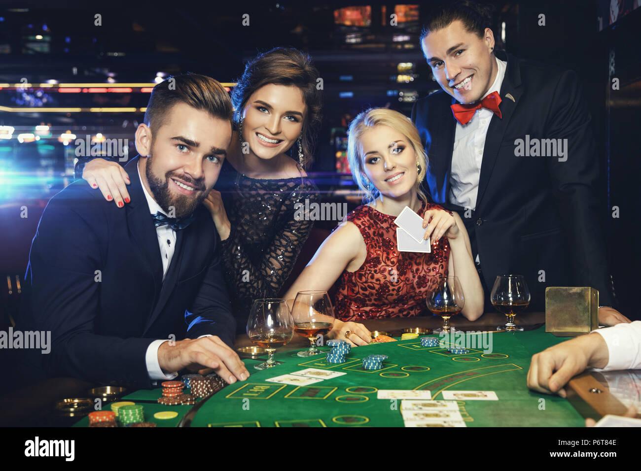 Казино на жизни людей честное казино ра играть онлайн