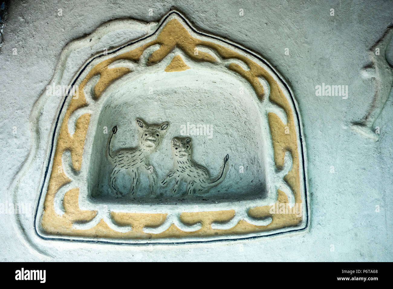 Animal decoration on wall of Gond Hut of Mandla District in the National Crafts Museum, New Delhi, Delhi, India - Stock Image