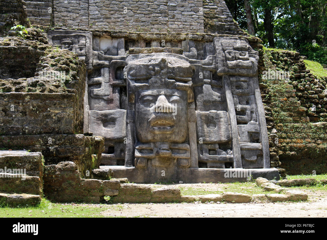 Beautiful Lamanai Mayan Ruins in Belize - Stock Image