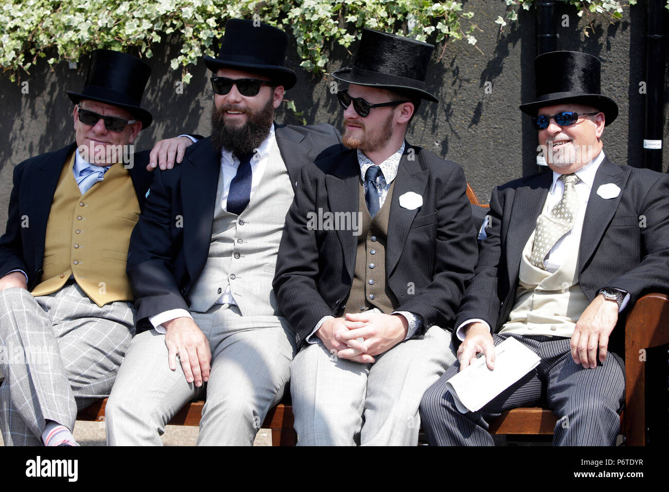 Royal Ascot, Men with top hats waiting for the races - Stock Image