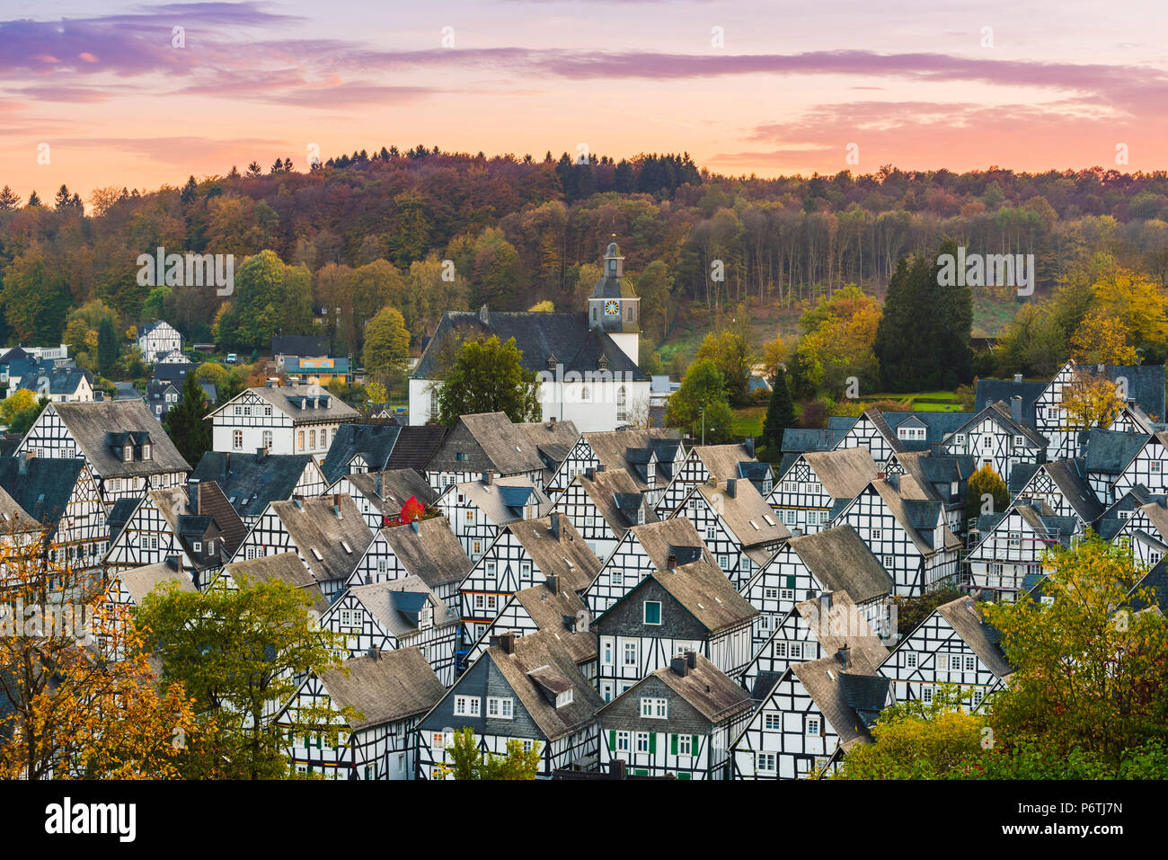 Freudenberg, Siegen-Wittgenstein, North Rhine-Westphalia, Germany. Typical timber-framed houses in the historical 'Alter Flecken' old town. - Stock Image