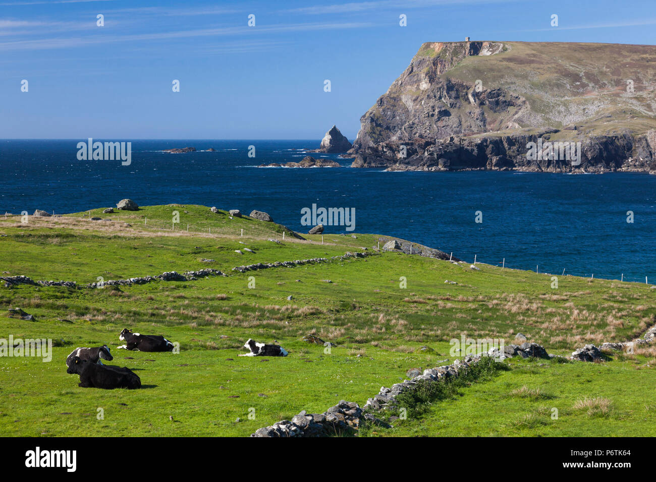 Ireland, County Donegal, Glencolumbkille, view of Glen Head - Stock Image