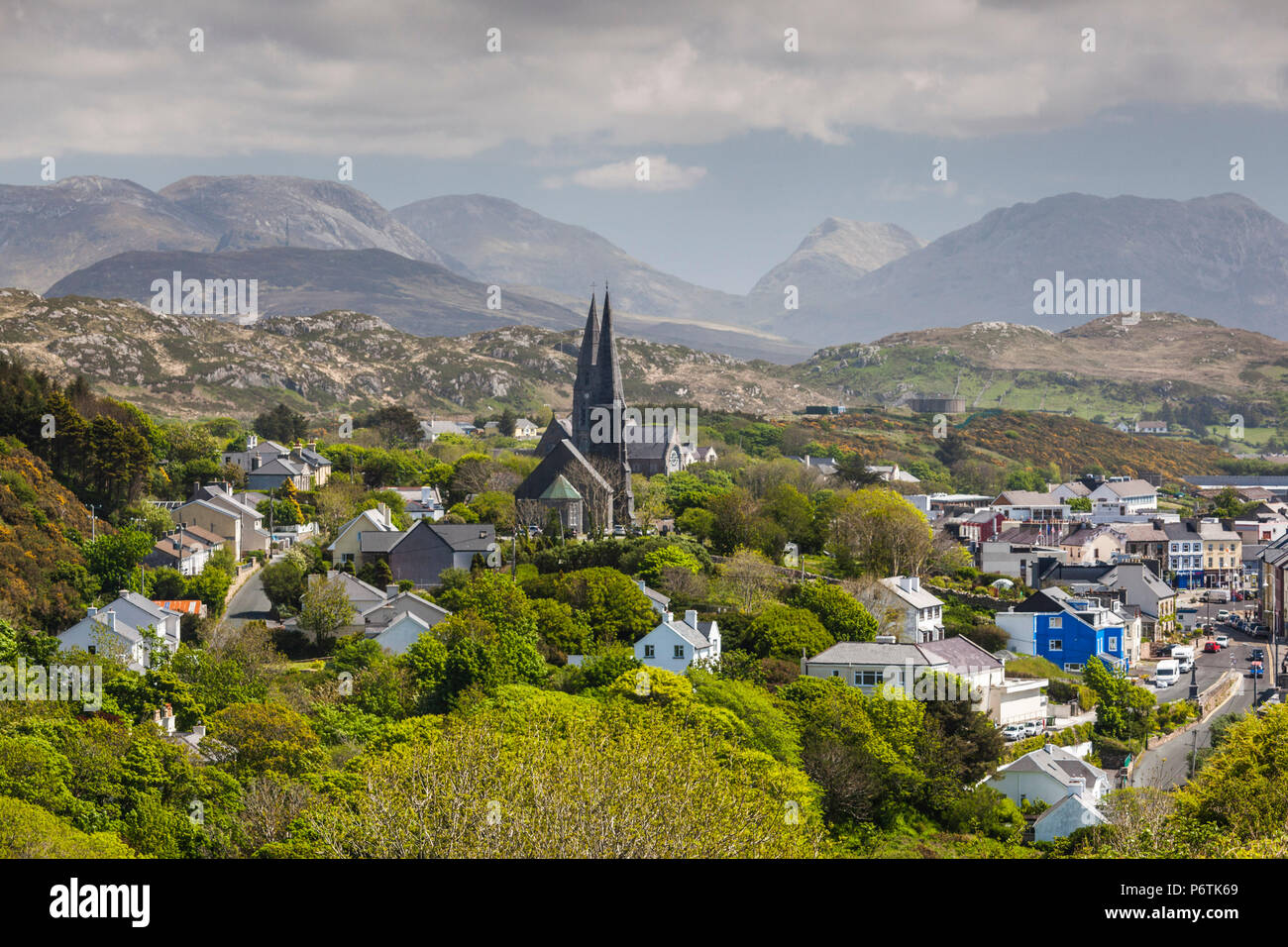 Ireland, County Galway, Clifden, elevated town view - Stock Image