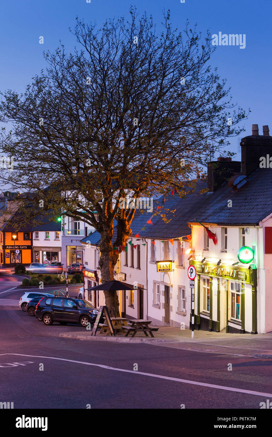 Ireland, County Mayo, Westport, town view by the Octagon, dusk - Stock Image