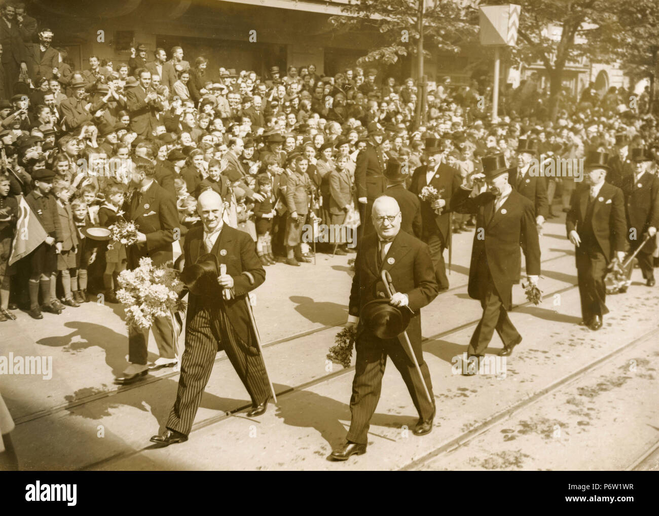 Members of the Swiss government in procession headed by President Philip Etter and Giuseppe Motta, Zurich, Switzerland 1939 - Stock Image