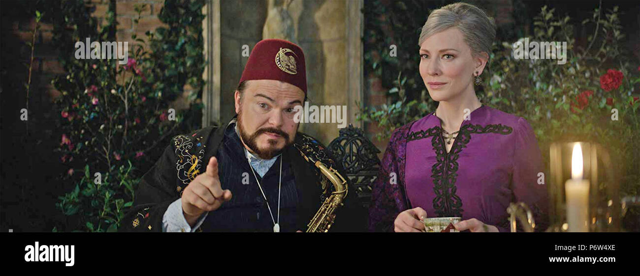 THE HOUSE WITH A CLOCK IN ITS WALLS 2018 Amblin Entertainment film with Cate Blanchett  and Jack Black Stock Photo