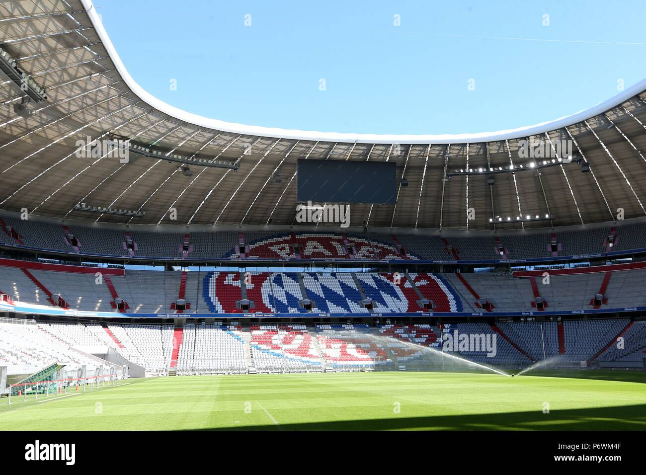 Olympic Stadium Munich: Impressive tent-style roof made of ...