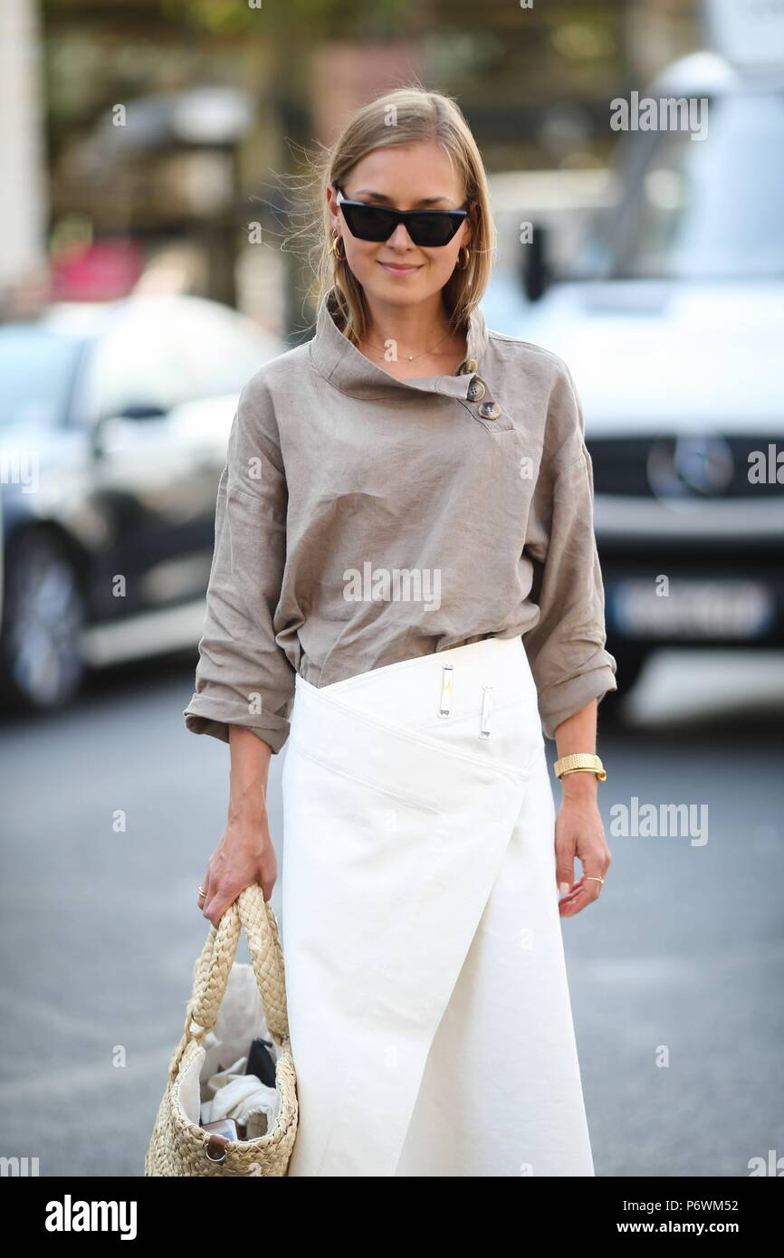 bff4544708 Blogger Anna Borisovna attending the Schiaparelli runway show during Haute  Couture Fashion Week in Paris - July 2