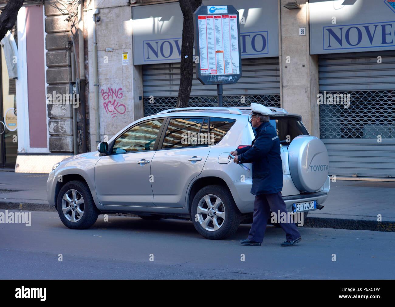 Strafzettel, Parken, Catania, Sizilien, Italien Stock Photo