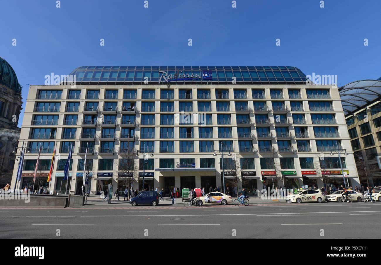 Hotel Radisson Blu, Karl-Liebknecht-Strasse, Mitte, Berlin, Deutschland - Stock Image