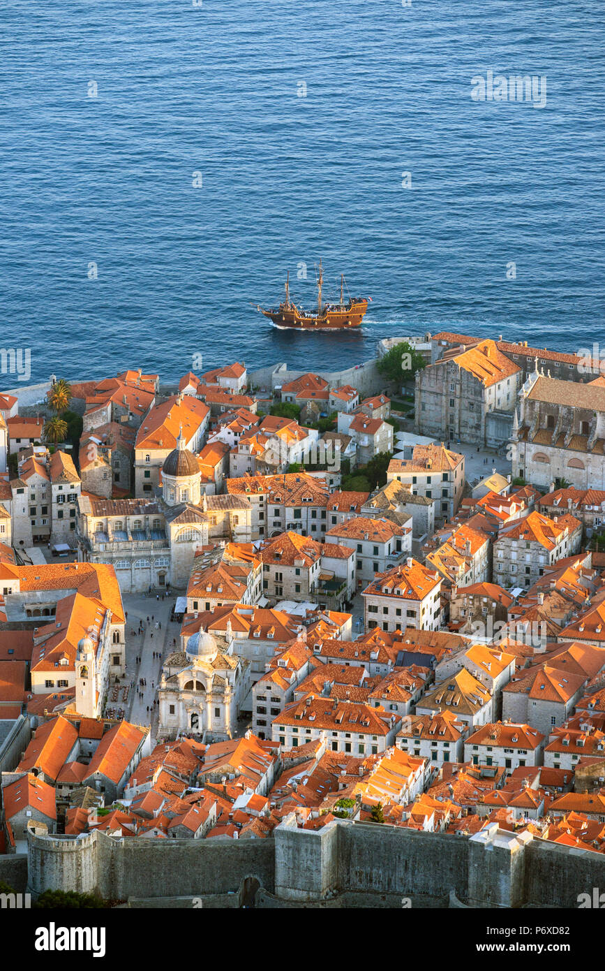 Croatia, Dalmatia, Dubrovnik, Old town. View over the old town - Stock Image