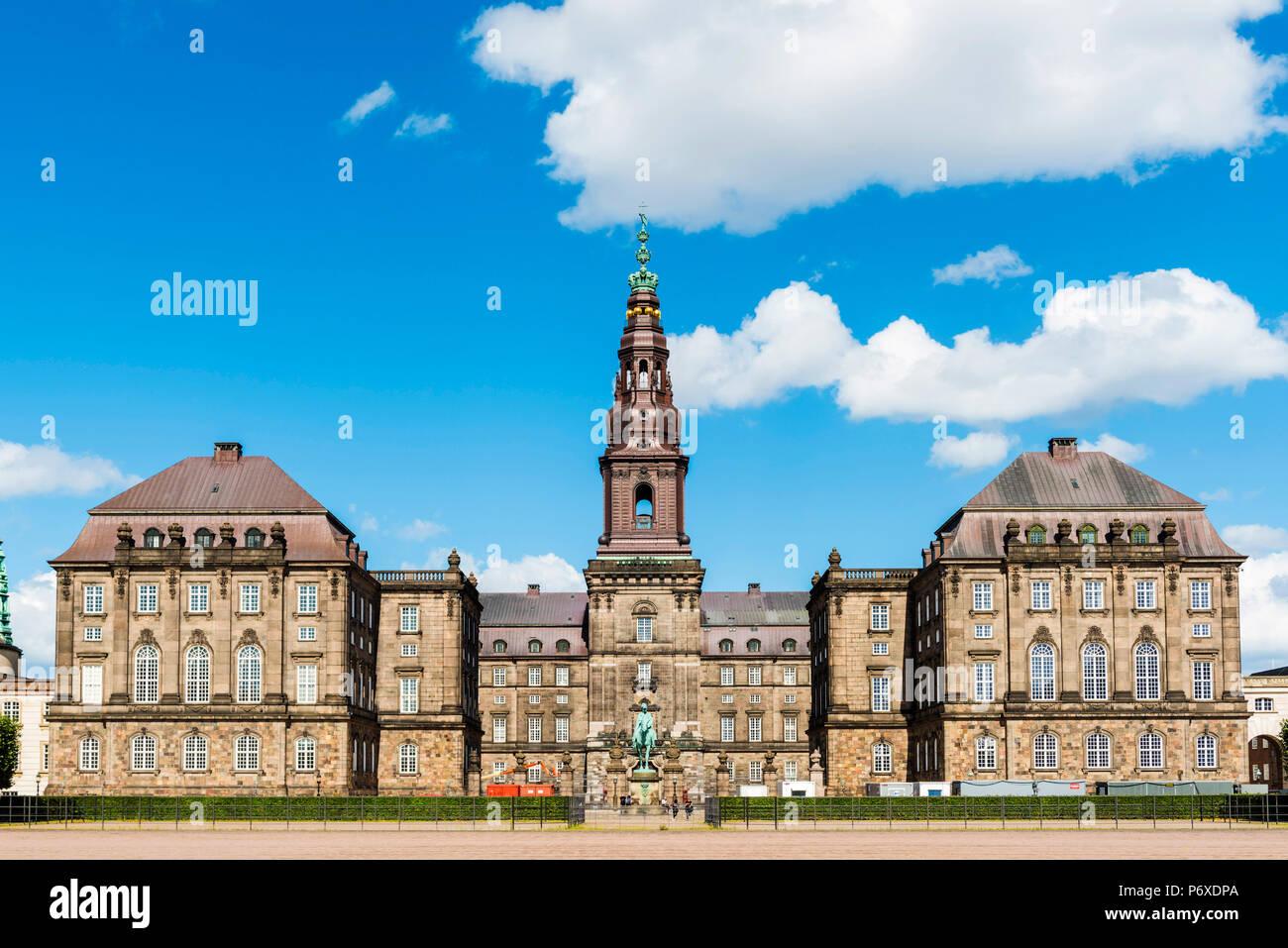 Christiansborg Palace, Copenhagen, Hovedstaden, Denmark. - Stock Image