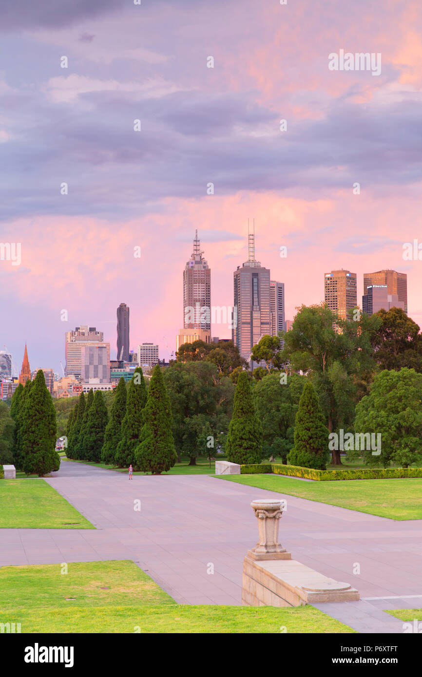 Skyline from Shrine of Remembrance at dusk, Melbourne, Victoria, Australia - Stock Image
