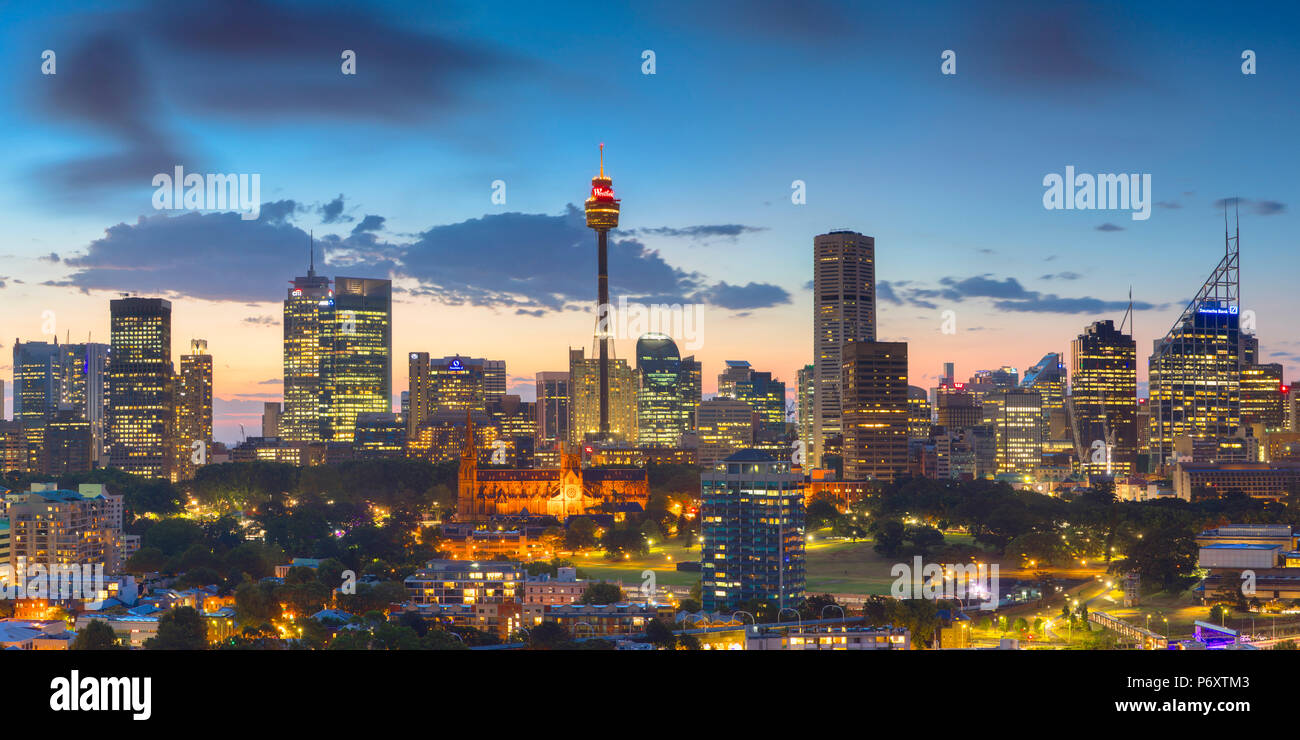 View of skyline at sunset, Sydney, New South Wales, Australia - Stock Image