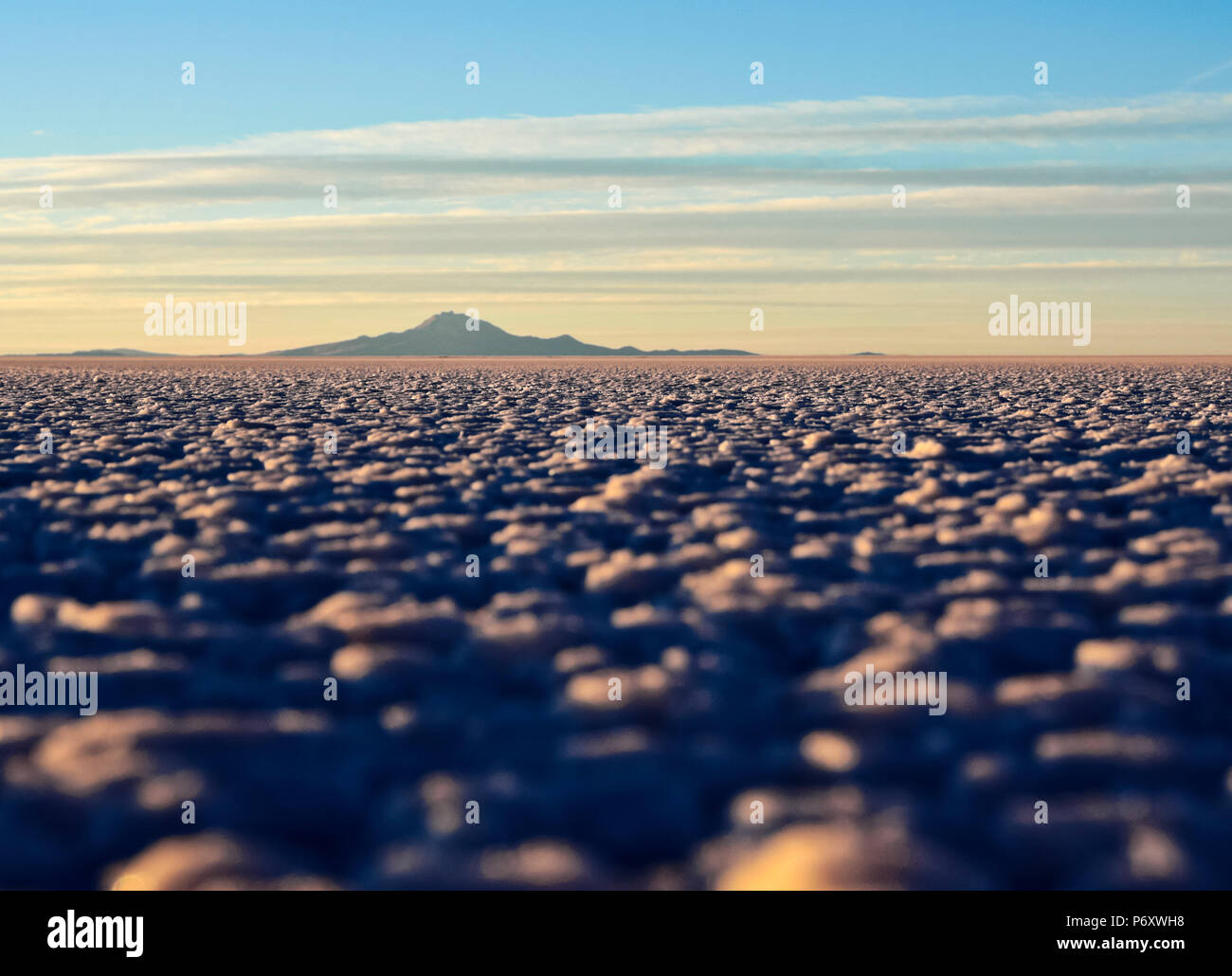 Bolivia, Potosi Department, Daniel Campos Province, View of the Salar de Uyuni, the largest salt flat in the world at sunset. Stock Photo