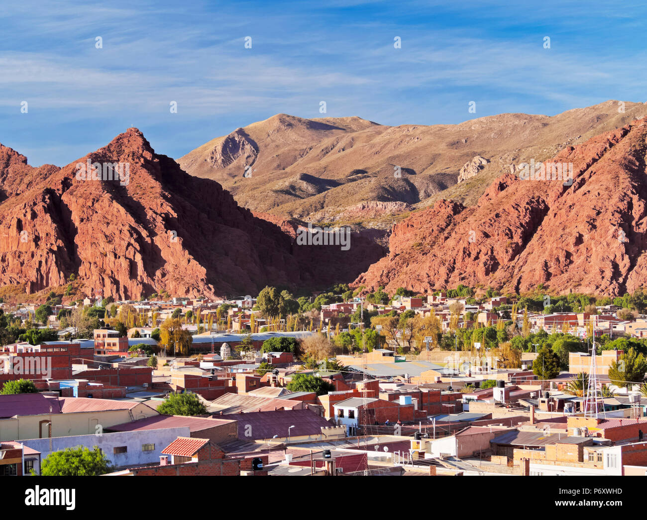 Bolivia, Potosi Department, Sud Chichas Province, Tupiza, Landscape of the mountains and the city of Tupiza viewed from the Mirador Corazon de Jesus. - Stock Image