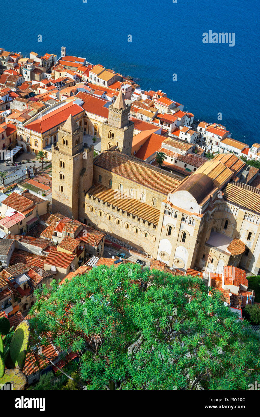 Top view of Cefalu, Cefalu, Sicily, Italy, Europe - Stock Image