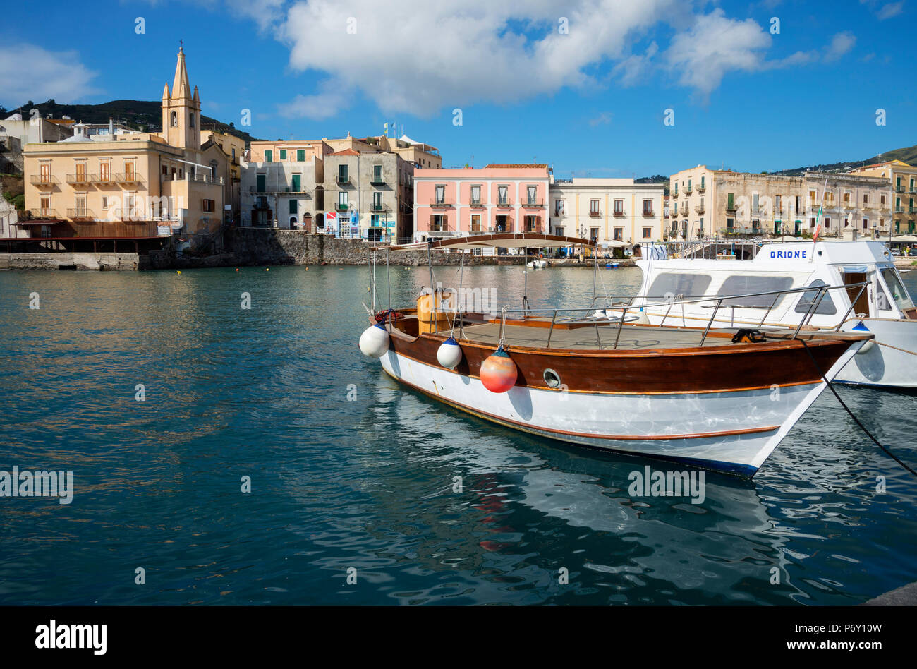 Marina Corta harbor and San Giuseppe church, Lipari Island, Aeolian Islands, UNESCO World Heritage Site, Sicily, Italy, Mediterranean, Europe - Stock Image