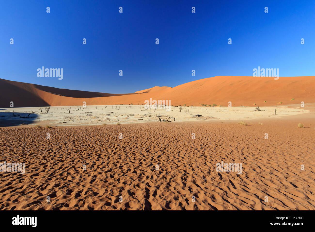 Namibia, Namib Naukluft National Park, Sossussvlei Sand Dunes - Stock Image
