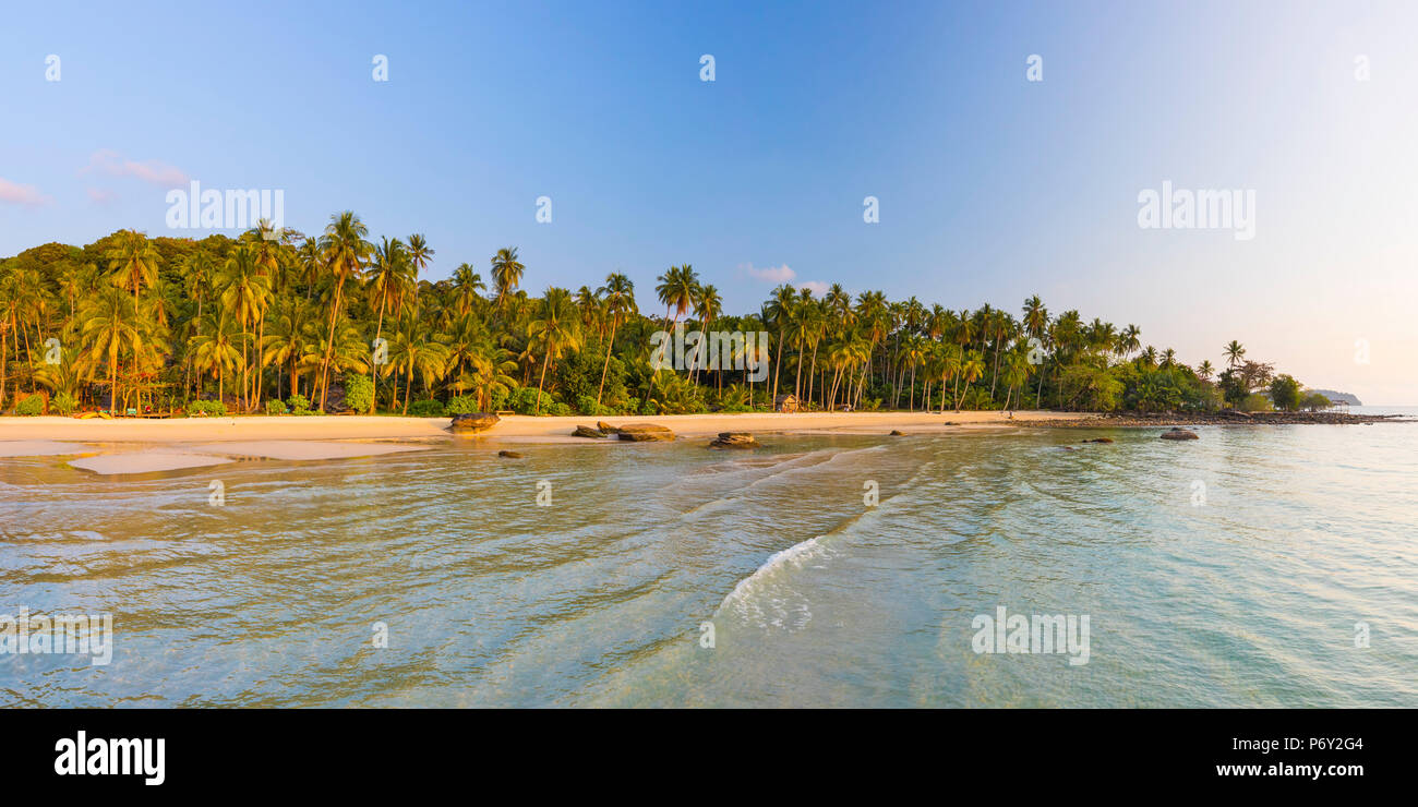 Tropical beach on an Island nr Ko Chang, Thailand Stock Photo
