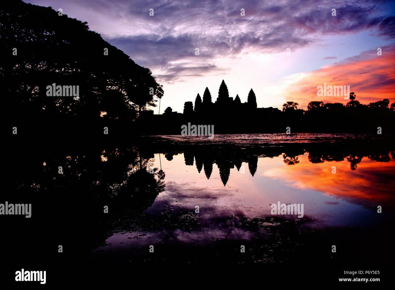 angkor wat at sunrise - Stock Image
