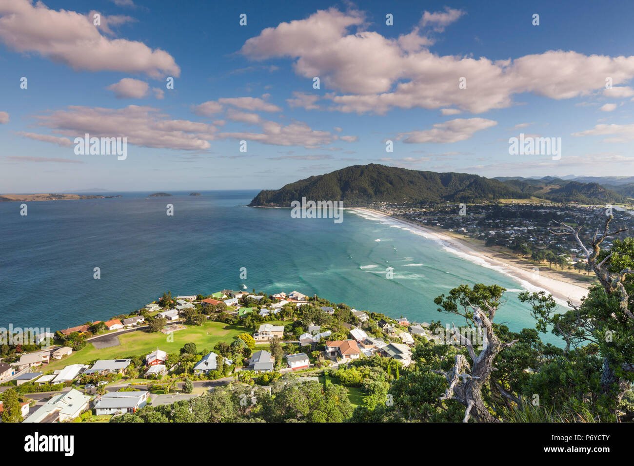 New Zealand, North Island, Coromandel Peninsula, Tairua, elevated view of Pauanui from Paaku Hill - Stock Image