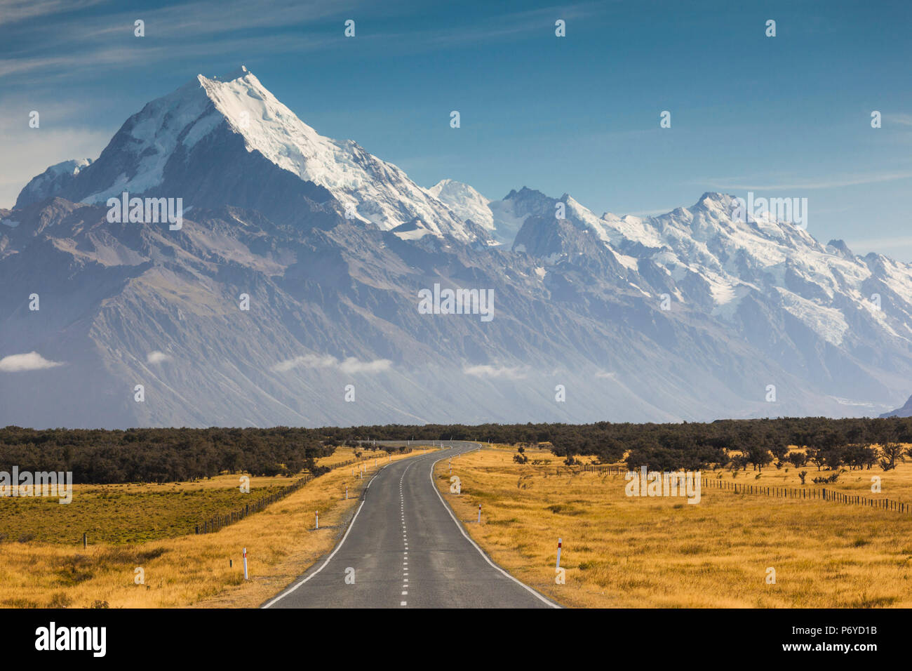 New Zealand, South Island, Canterbury, Aoraki-Mt. Cook National Park, Mt. Cook and Highway 80 - Stock Image